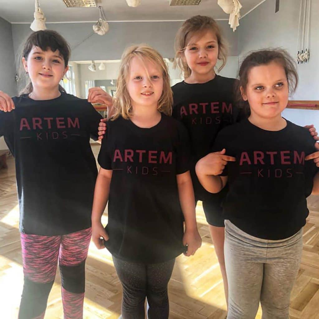 stageart-studio-tanca-dla-dzieci-i-mlodziezy-taniec-artem-kids-grupa-taneczna-tychy