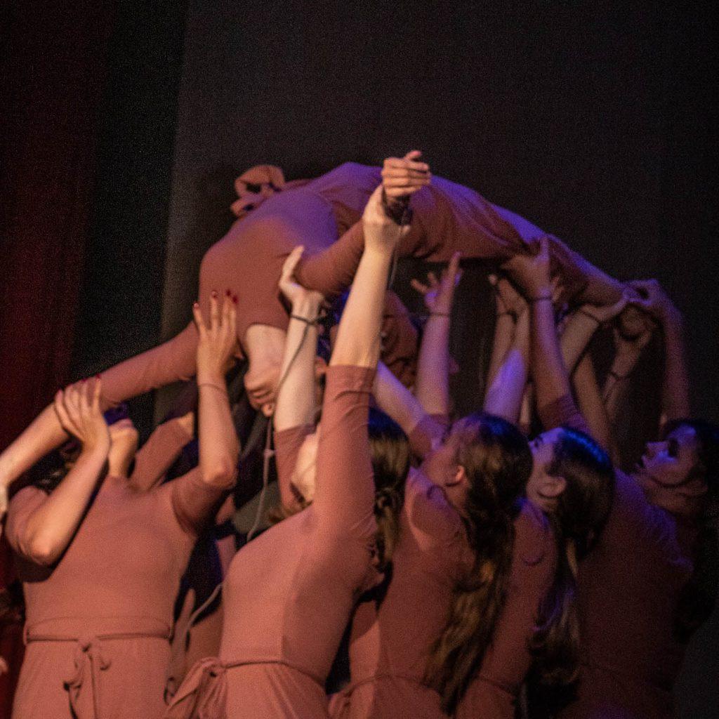 stageart-studio-tanca-dla-dzieci-i-mlodziezy-taniec-contempo-teatr-tanca-myslowice