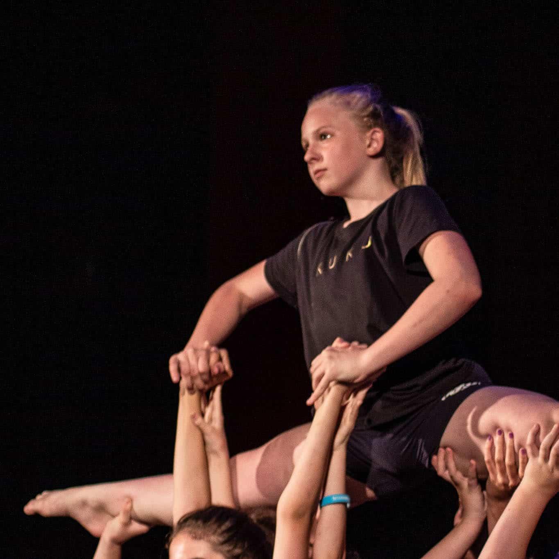 stageart-studio-tanca-dla-dzieci-i-mlodziezy-taniec-contemporary-pokaz-show