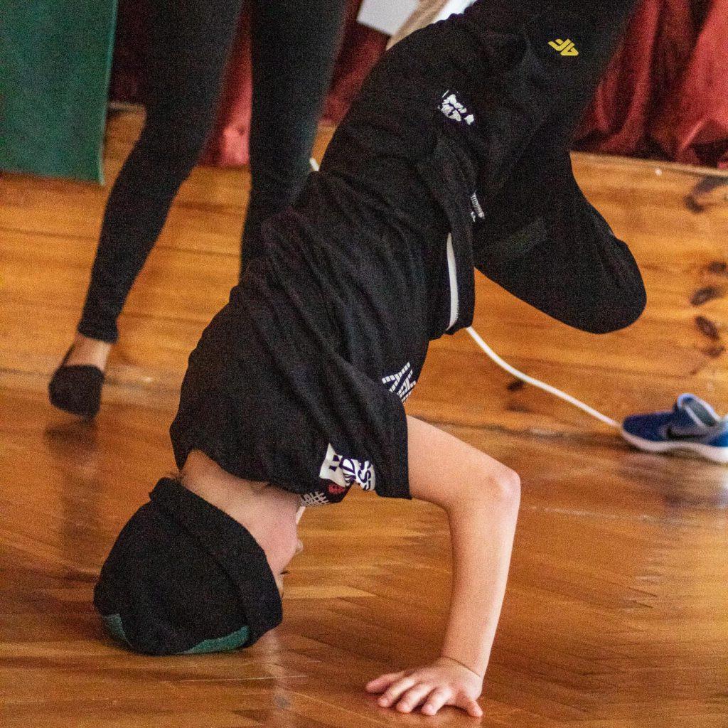 stageart-studio-tanca-dla-dzieci-i-mlodziezy-taniec-breaking-breakdance