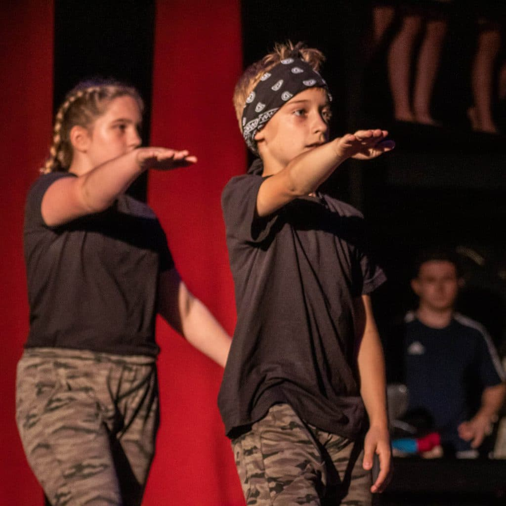 stageart-studio-tanca-dla-dzieci-i-mlodziezy-taniec-fifarafa-grupa-taneczna-bedzin