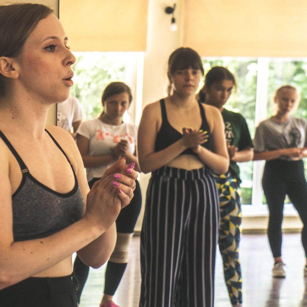 stageart-studio-tanca-dla-dzieci-i-mlodziezy-taniec-camp-waacking