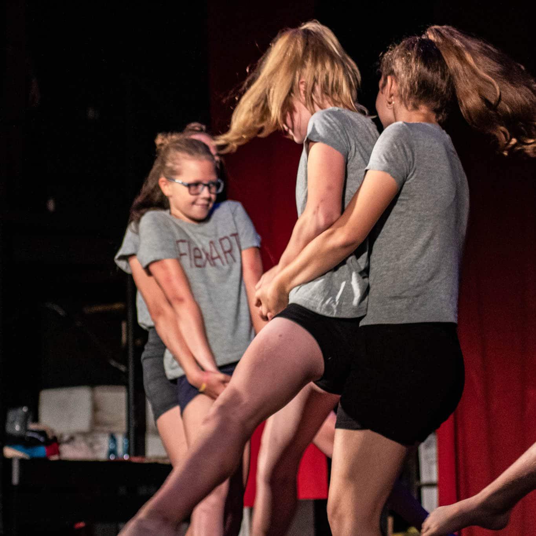 stageart-studio-tanca-dla-dzieci-i-mlodziezy-taniec-flex-art-grupa-myslowice